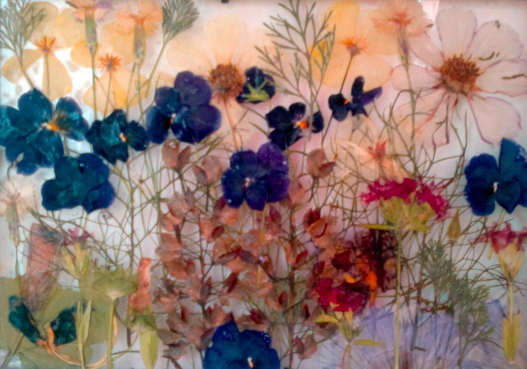 Рисунок на стену цветка