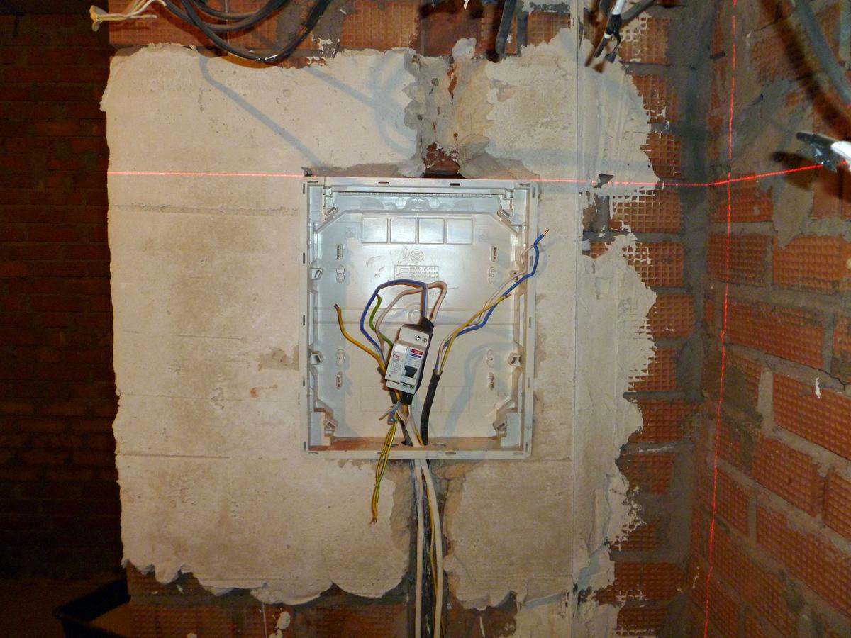 план схема электрической проводки в помещении
